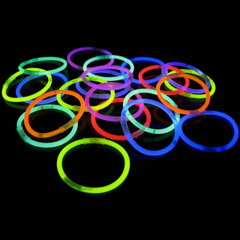 Pulseras fluorescentes que tienen